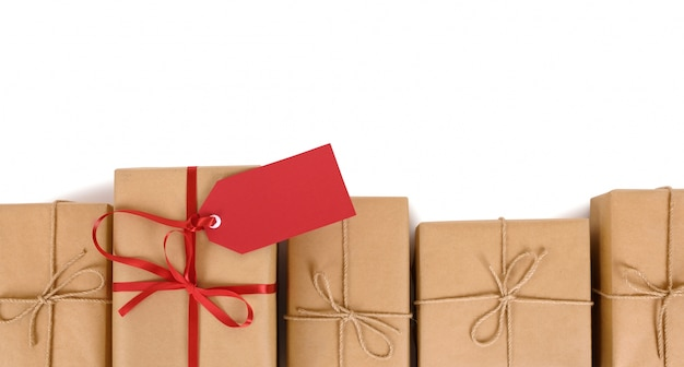 Rij van geschenken of pakketten