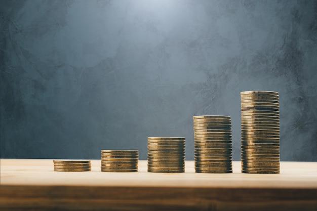 Rijen van munten financieren en banken achtergrond concept.