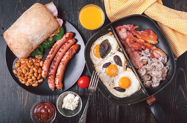 Rijk en calorierijk ontbijt voor twee