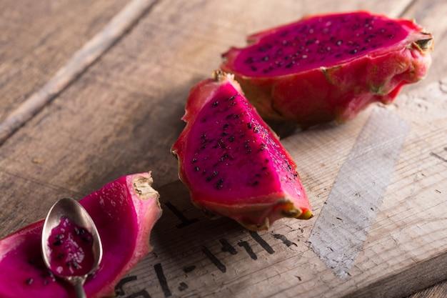 Rijp dragon fruit, pitaya of pitahaya