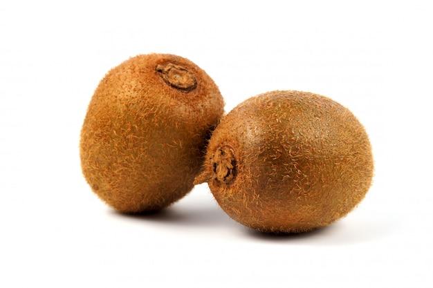 Rijp kiwifruit op wit