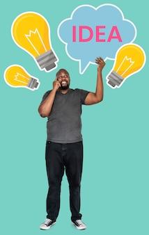 Rijpe mens met de symbolen van een ideeconcept