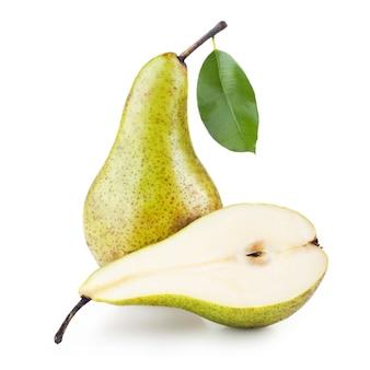 Rijpe peren die op wit worden geïsoleerd