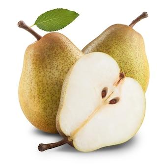 Rijpe peren geïsoleerd op een witte achtergrond