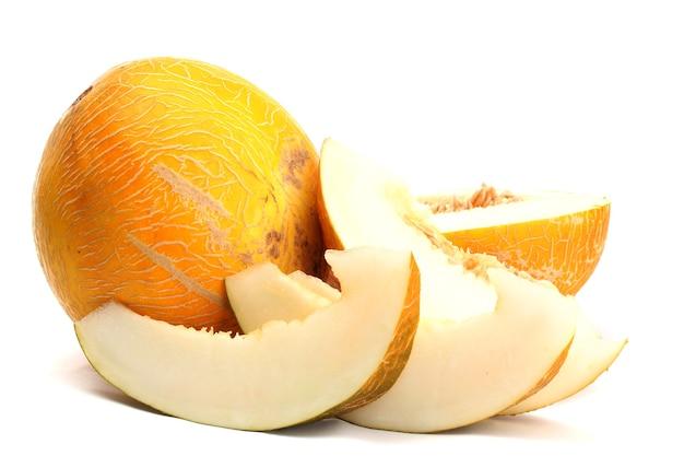 Rijpe zoete meloenen, op wit