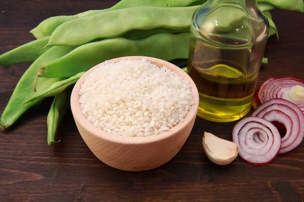 Rijst en ingrediënten voor risotto