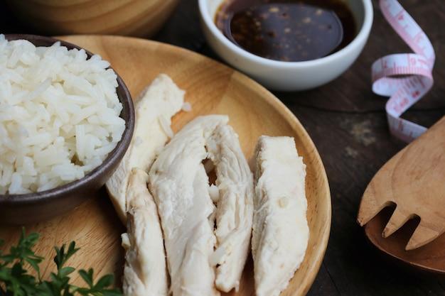 Rijst gestoomd met kip