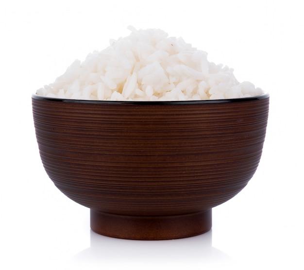Rijst in een kom op een witte muur
