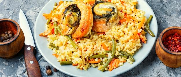 Rijst met zeevruchten en groenten
