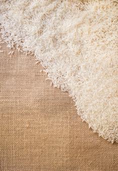 Rijst op jutegebruik voor achtergrond