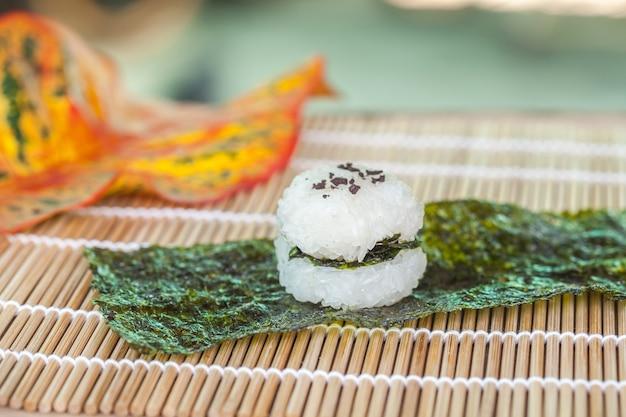Rijstbal eten ontwerp door zelfgemaakte.