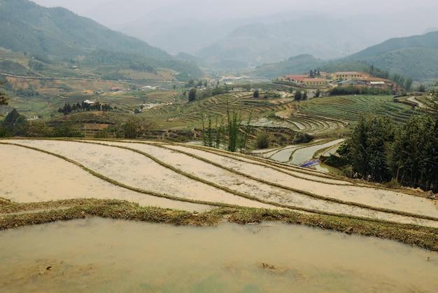 Rijstterrassen en heuvels in sapa vietnam