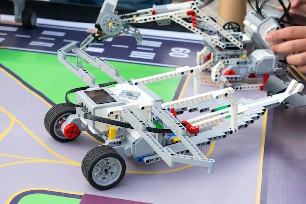Robotauto, robotica met afstandsbediening