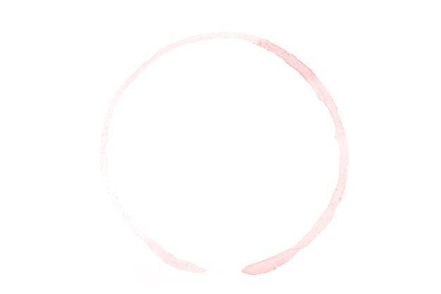 Rode aquarel cirkel geïsoleerd op een witte achtergrond