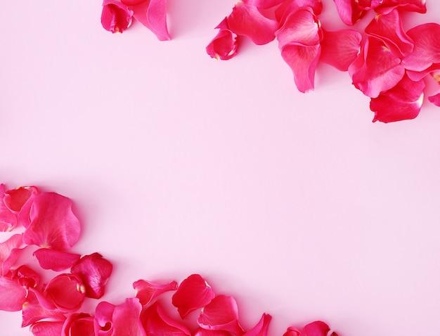 Rode bloemblaadjes