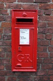 Rode brievenbus, snailmail