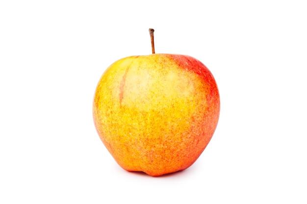 Rode en gele appel geïsoleerd op wit