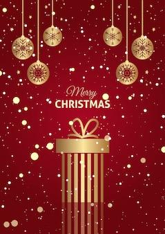 Rode en gouden kerst cadeau achtergrond met hangende kerstballen