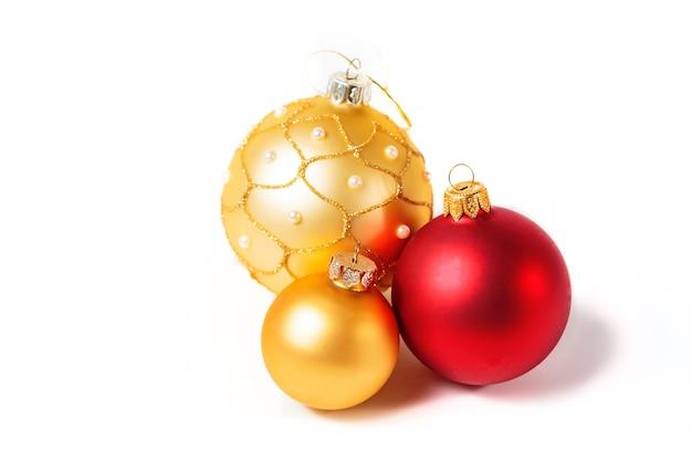 Rode en gouden kerstballen