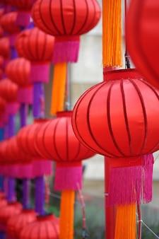 Rode feestelijke lantaarn van de stad van china, thailand