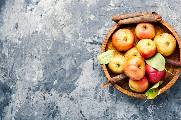 Rode gebakken appels