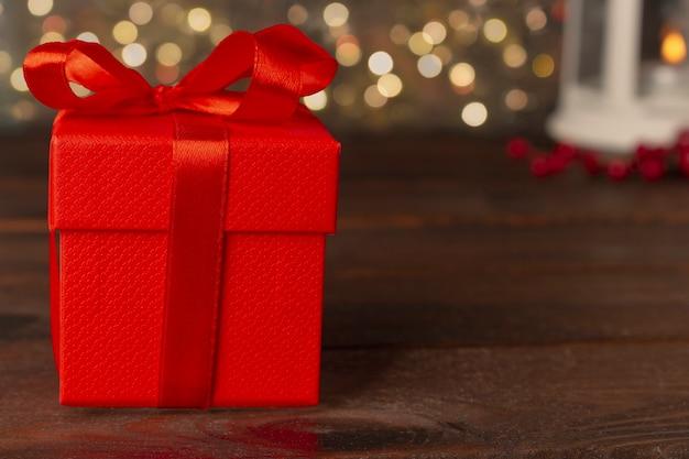 Rode geschenkdoos met lint