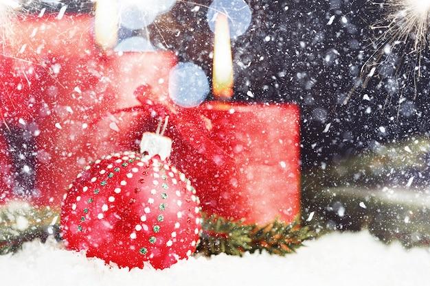 Rode glanzende kerst achtergrond
