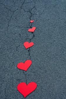 Rode harten op de straat