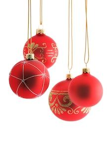 Rode kerstballen op wit