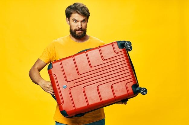 Rode koffer zware bagage vakantie reizen levensstijl passagier