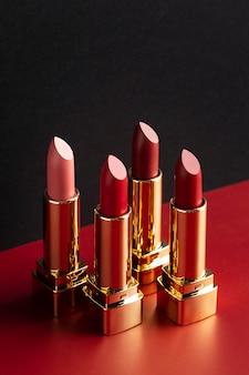 Rode lippenstift regeling hoge hoek