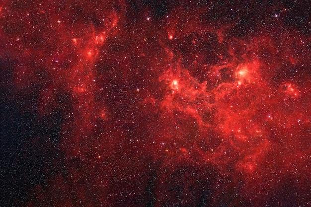Rode melkweg in diepe ruimte elementen van deze afbeelding zijn geleverd door nasa