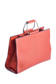 Rode modieuze tas gemaakt van echt leer