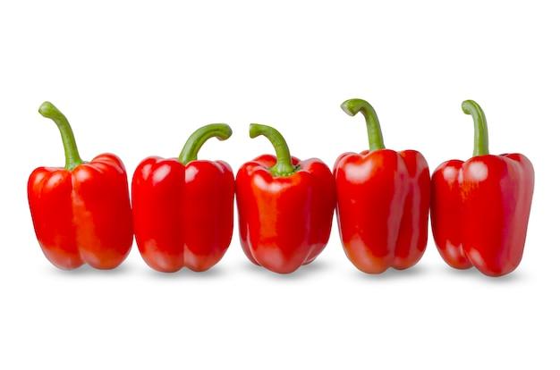 Rode paprika op een witte achtergrond