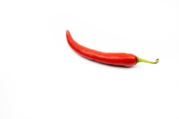 Rode peper op een witte achtergrond isolate