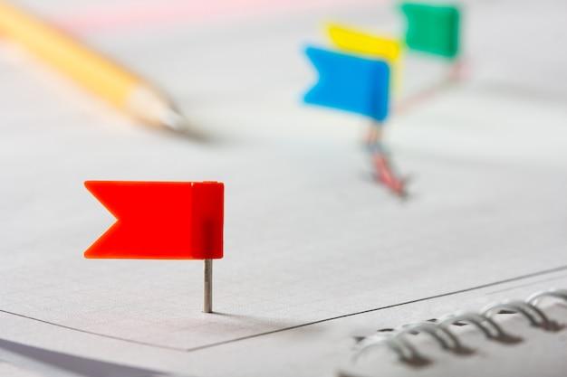 Rode pin die uit het getekende diagram steekt