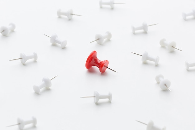 Rode pin in het midden