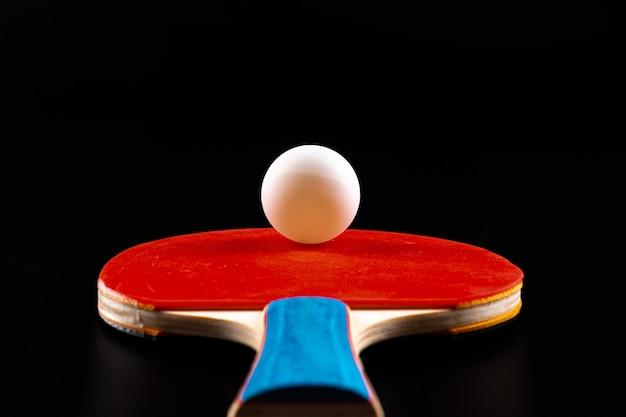 Rode pingpongracket. sportuitrusting