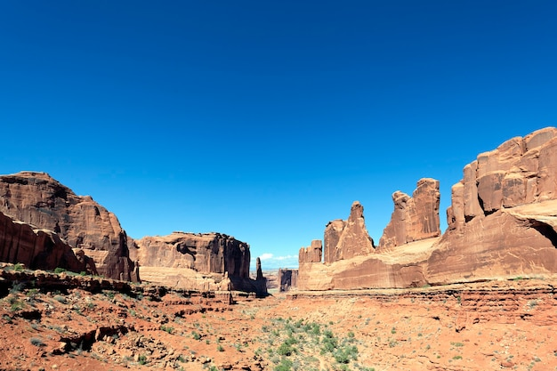 Rode rotsen panorama in arches national park, utah