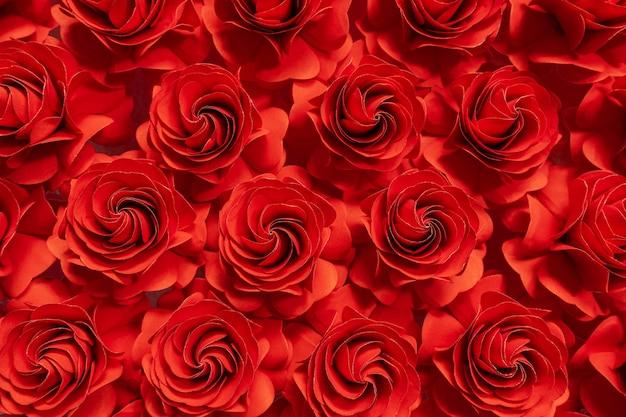 Rode rozen gesneden uit papier