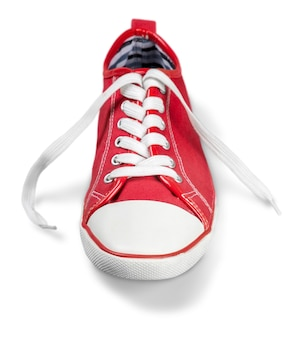 Rode sportschoen geïsoleerd op wit