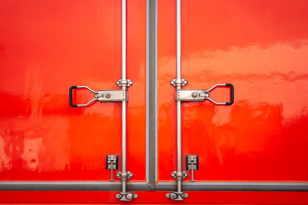 Rode stalen deur veiligheidsslot van vrachtauto
