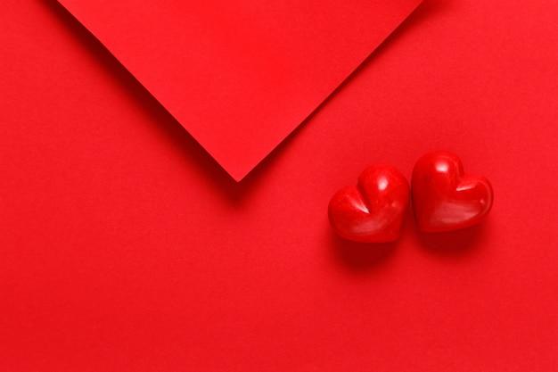 Rode vellen met twee rode harten