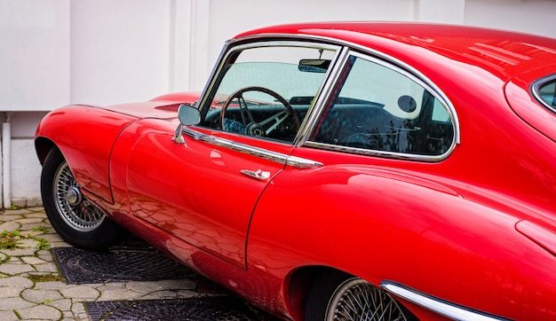 Rode vintage auto