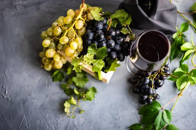 Rode wijn en druif