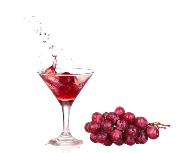 Rode wijn spatten in een glas