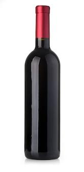 Rode wijnfles die op wit wordt geïsoleerd
