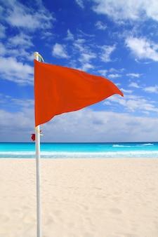 Rode wind van het strand slecht weer windadvies caribisch gebied