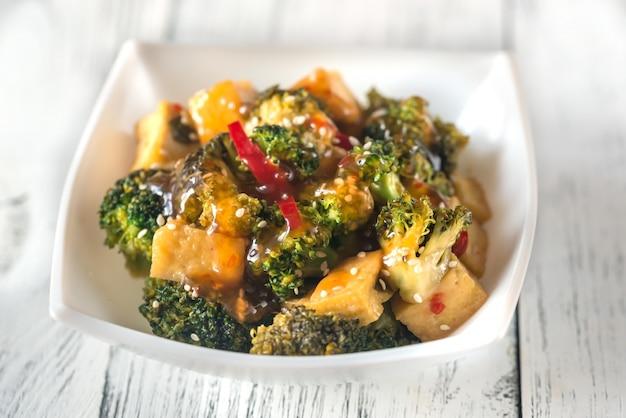 Roerbak tofu en broccoli