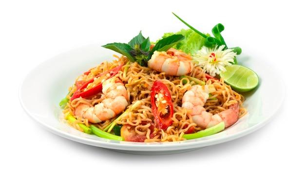 Roergebakken instant noedels met garnalen aziatisch thais eten